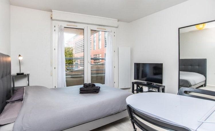 Apartemen Studio di Madrid oleh MYCC