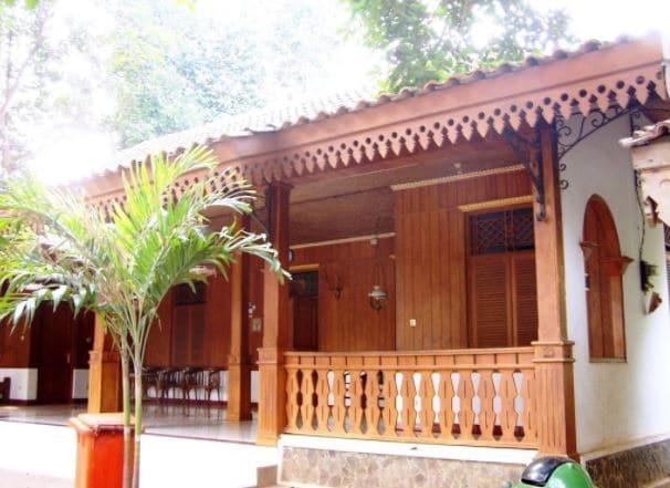 sejarah rumah adat betawi