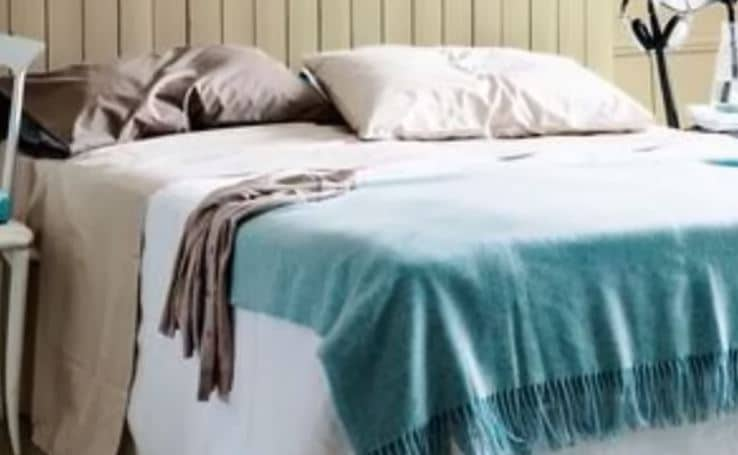 warna kamar tidur yang sejuk